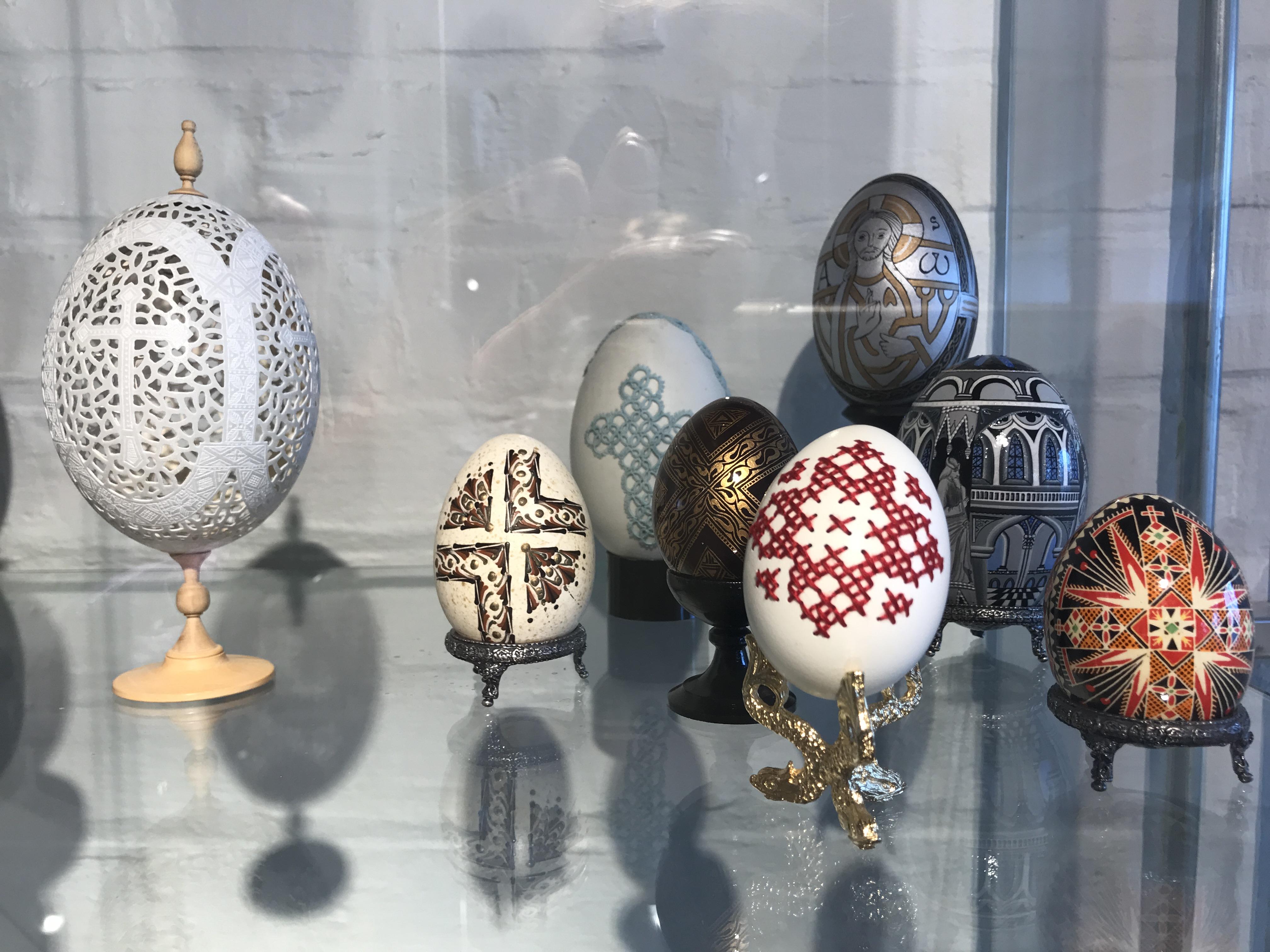 1001 egg utstilling på Porselensmuseet, © VisitTelemark