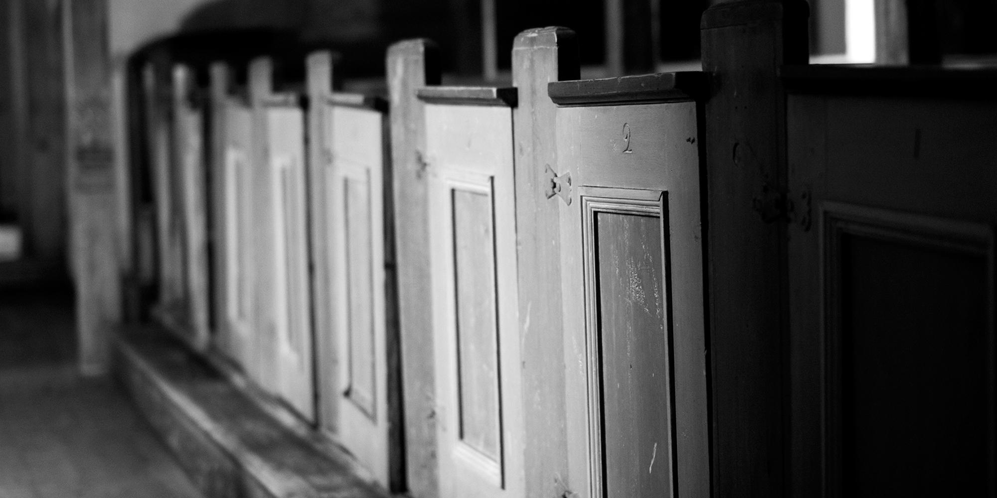Hustad church. Copyright: Rfoto