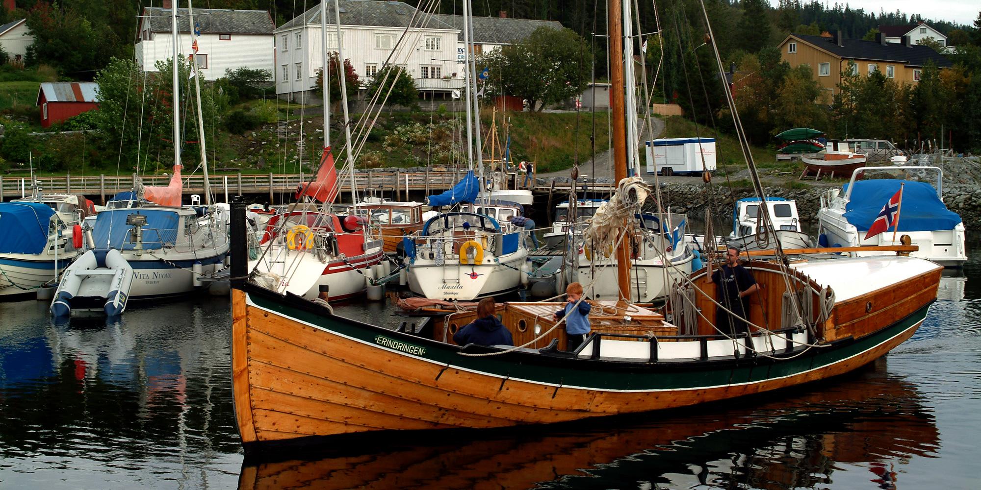 Båten Endringen ligger  her ved Kjerknesvågen Kai. Copyright: Kjrknesvågen Kai og Båtforening