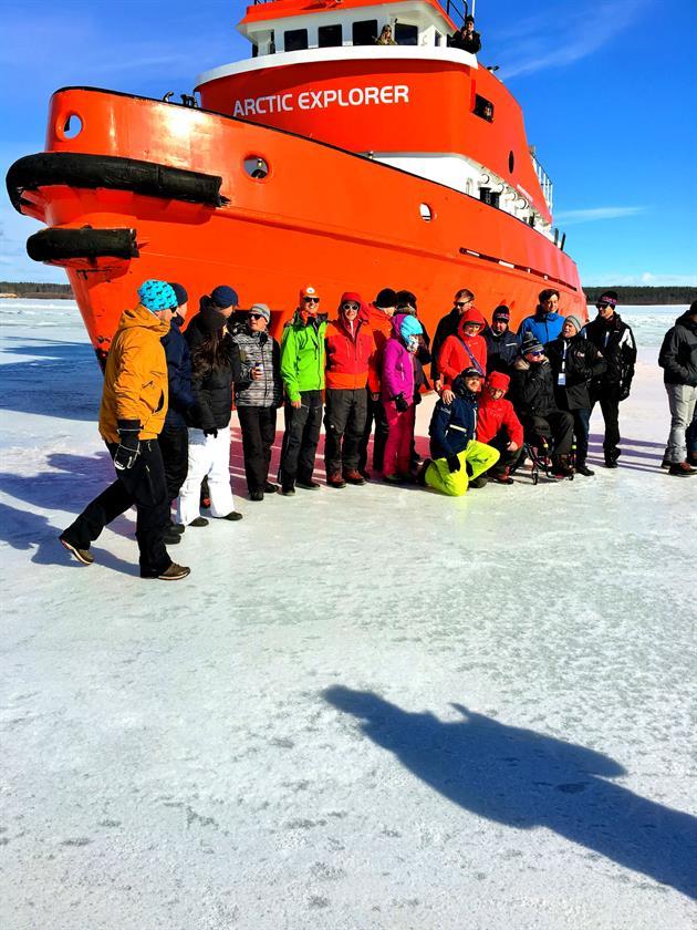 Fotografering framför isbrytaren