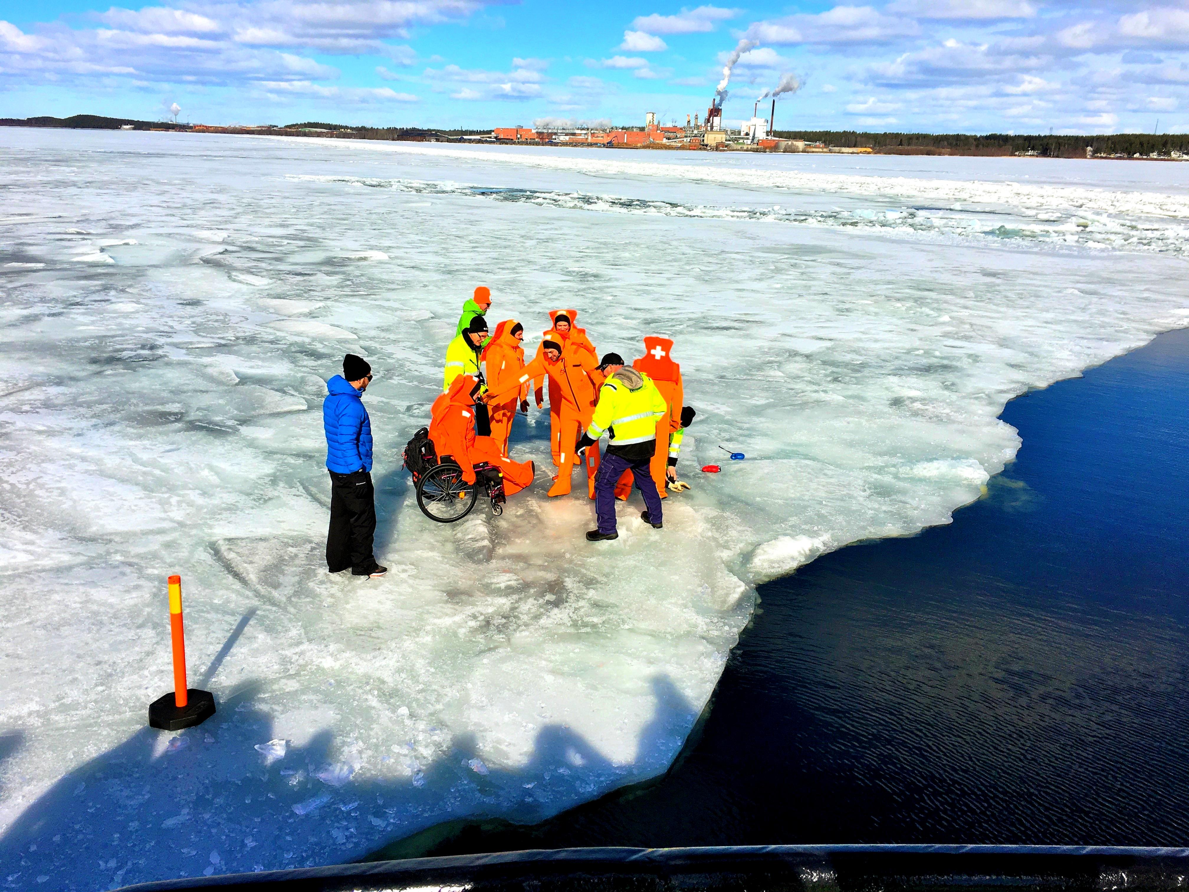 En solig dag på isen