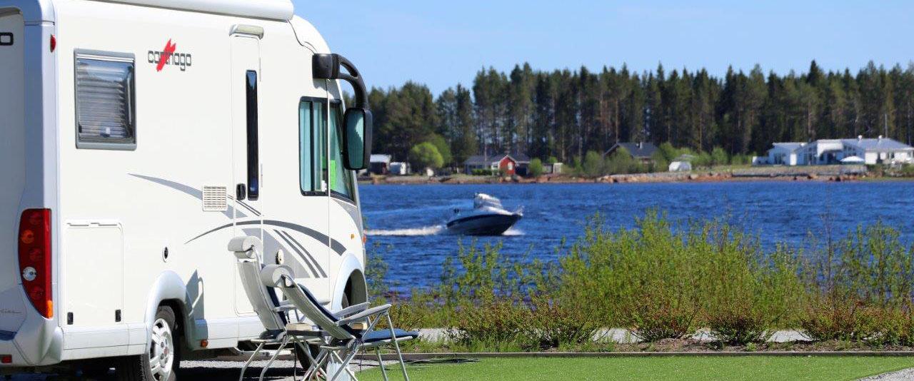 Husbilsplats med utsikt på Jävre ställplats