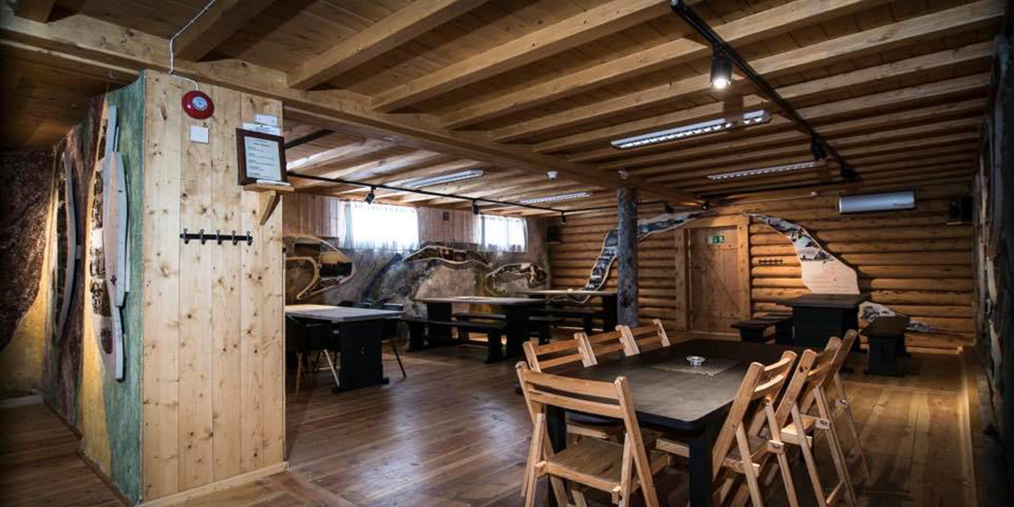 Skallstuggu in Levanger - cosy dining room. Copyright: Skalstuggu
