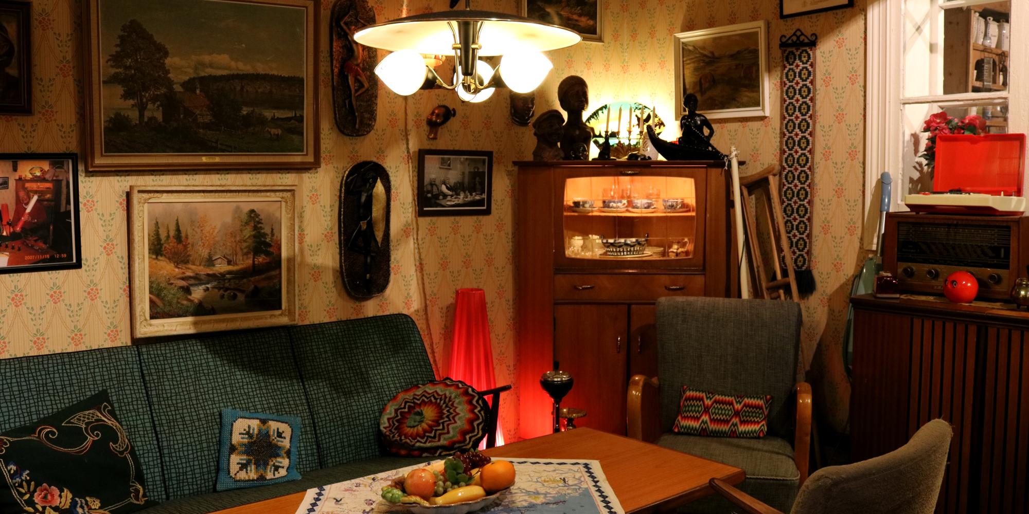 Gammel stue fra 50/60 tallet på museet i 2. etage. Copyright: Kortmans Lysfabrikk