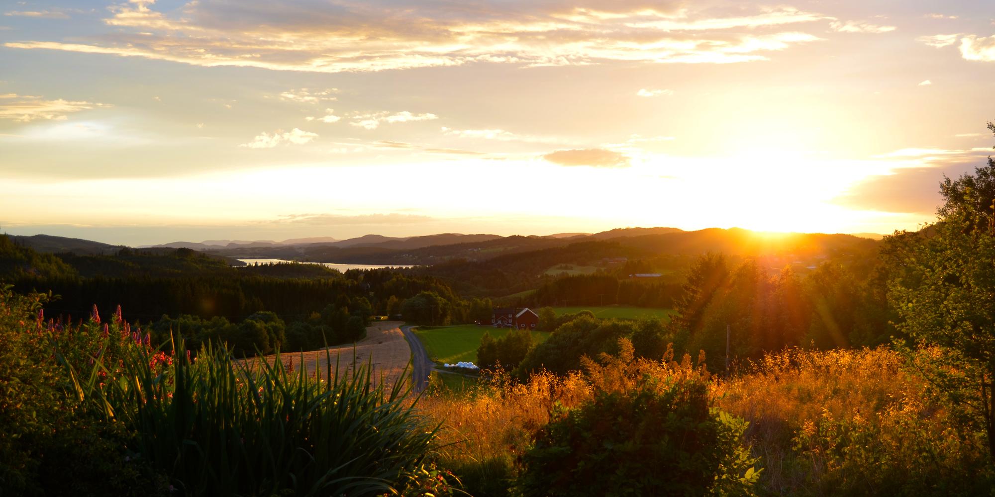 Troset i Levanger Kommune: solnedgang. Copyright: Heidi Troset