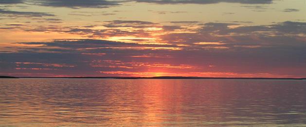 Midnattssol över Piteälven, Hansi Gelter