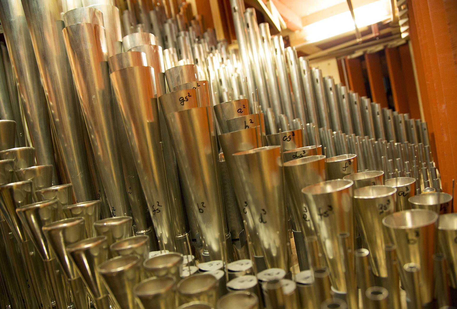 Pipor i orgel_tellus