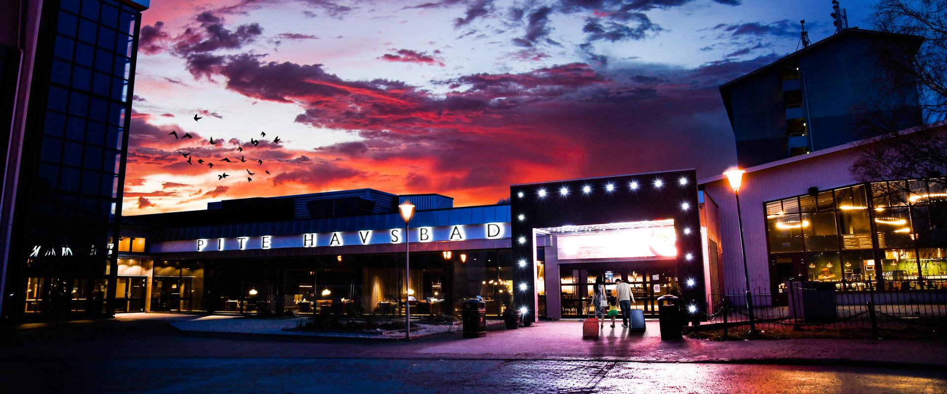 Pite Havsbad Entré i solnedgång
