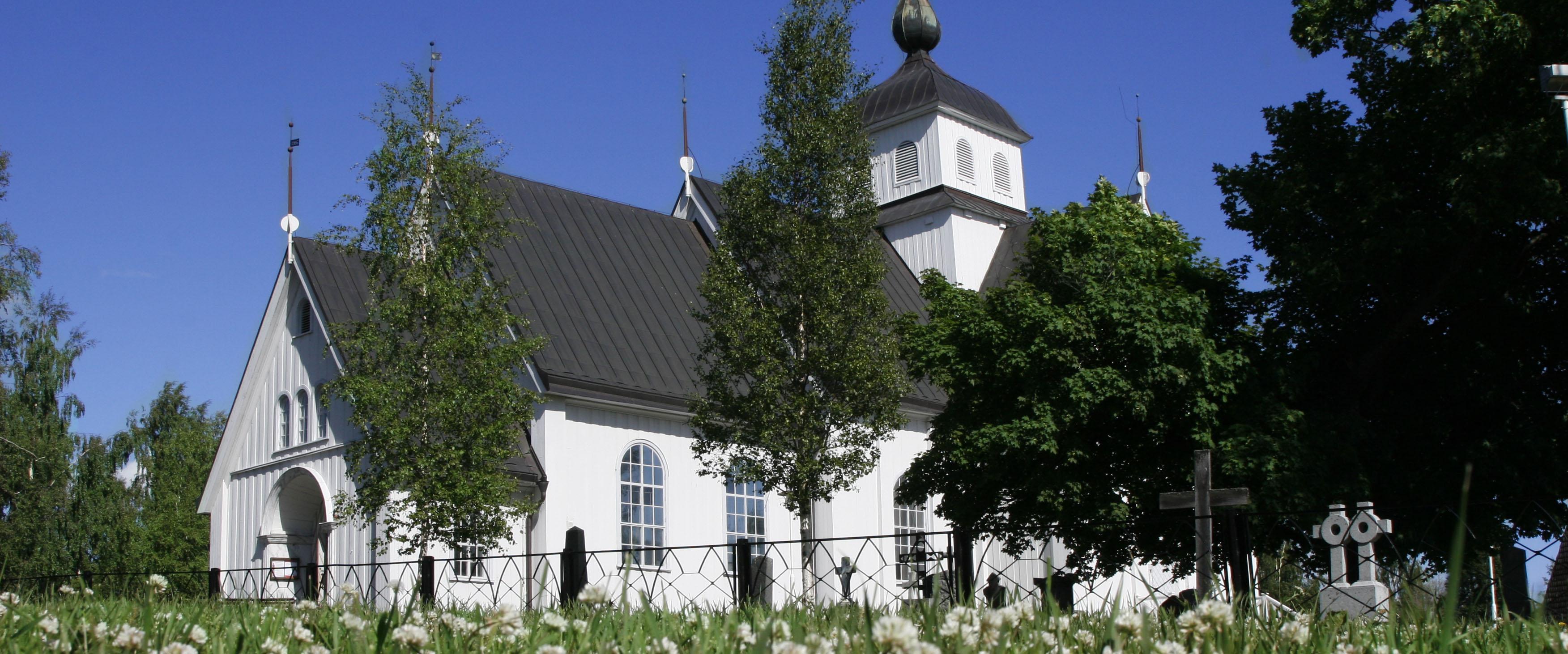 Piteå Stadskyrka ängsperspektiv