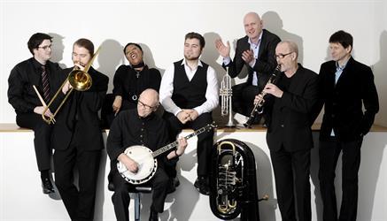 Jazzmesse med Ytre Suløens Jass-ensemble og Musikklinekoret.