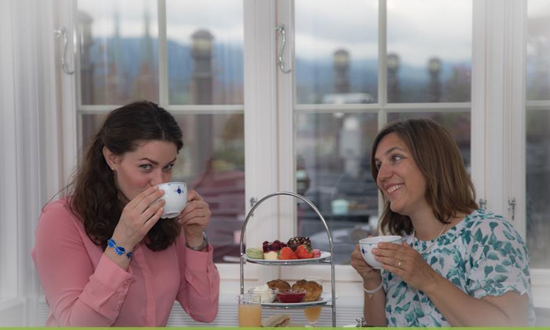 Afternoon Tea i Brekkeparken kafe, © Bjørn Rudborg