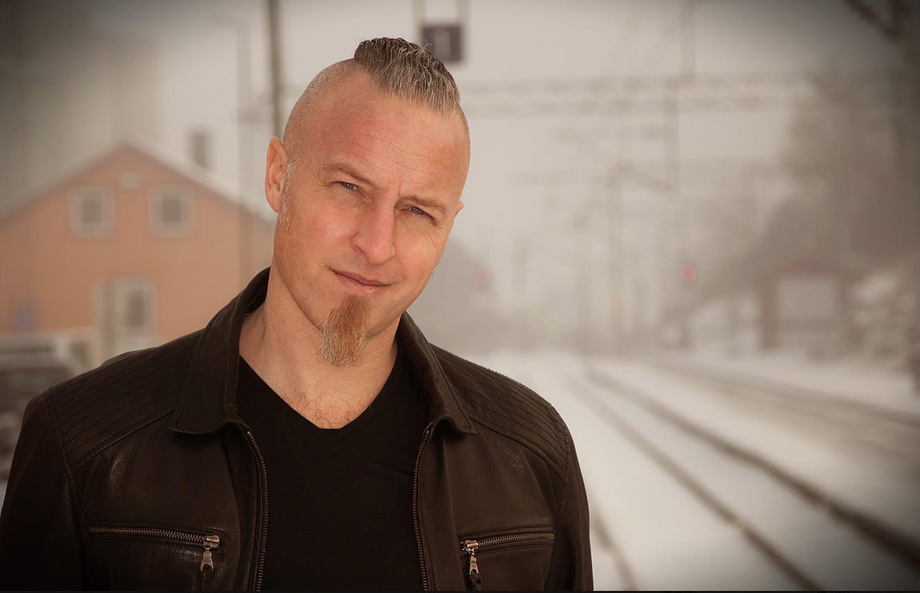 """Jon Solberg - """"Så lenge toget fløyter"""""""
