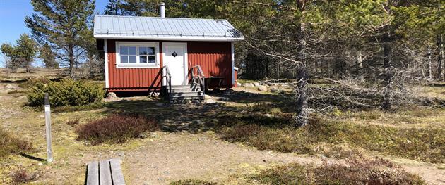 Stugan på Stor-Räbben, Linda Buska