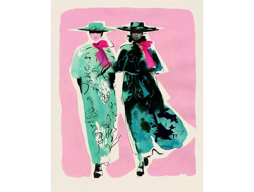 Två personer i färgglada kappor och hatt mot en rosa bakgrund, © Bild av Cecilia Carlstedt