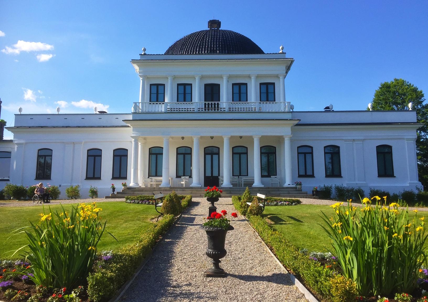 Sommer på Ulefoss Hovedgård, © Kjell Vidar Andersen