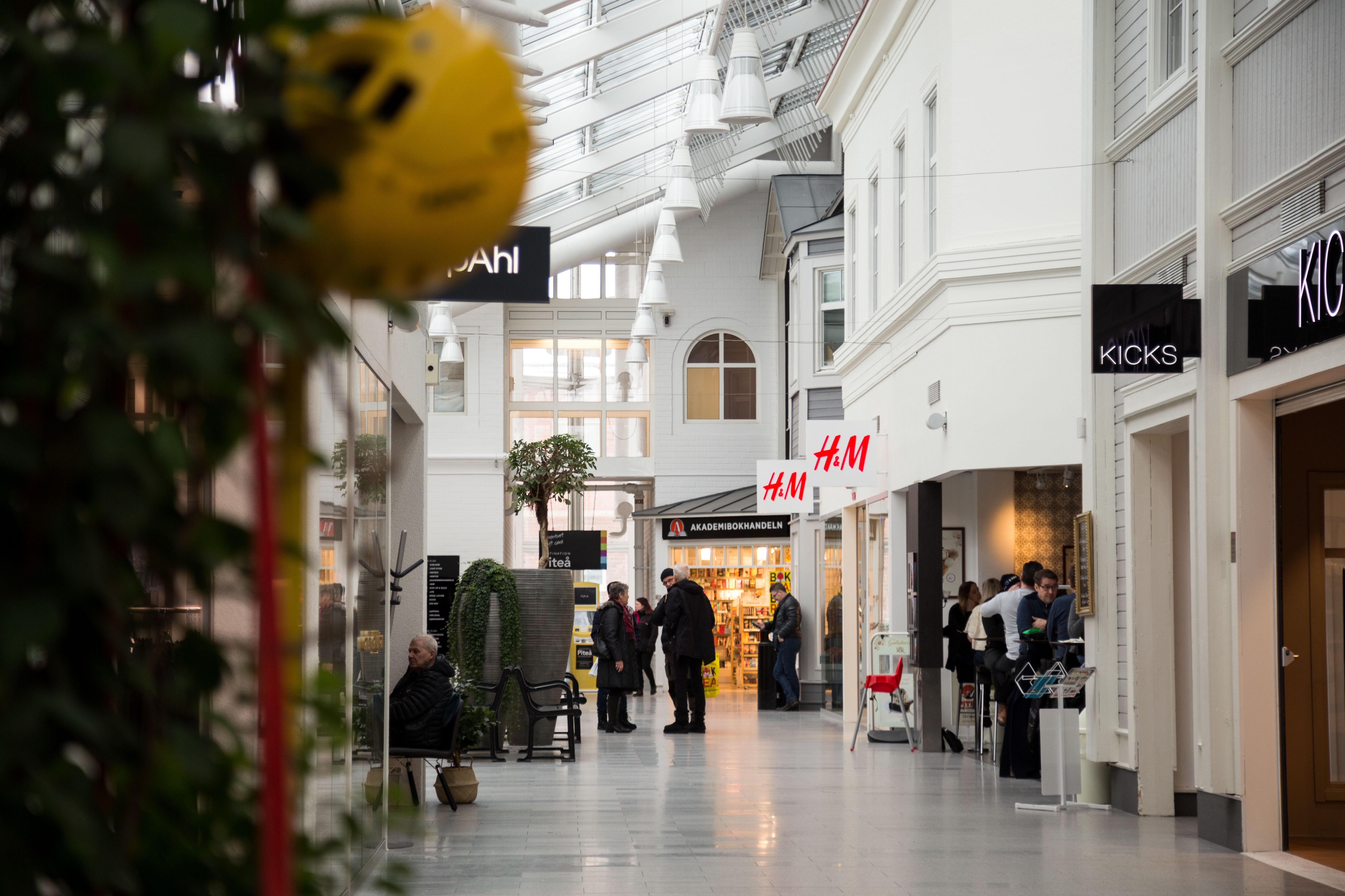Shopping inne i Småstaden
