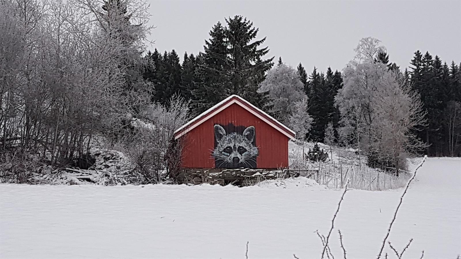 Gatekunst av Hama Woods nær Inderøy Gårdsbryggeri