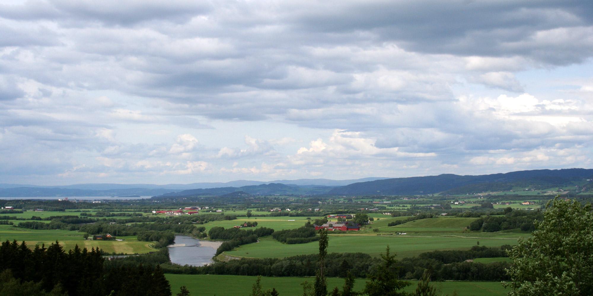 verdal-sykkel-ved-minnesmerke-for-verdalsraset-tror-jeg-visit-innherred(53)2x1. Copyright: Visit Innherred