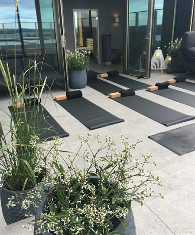 Yoga på terrassen